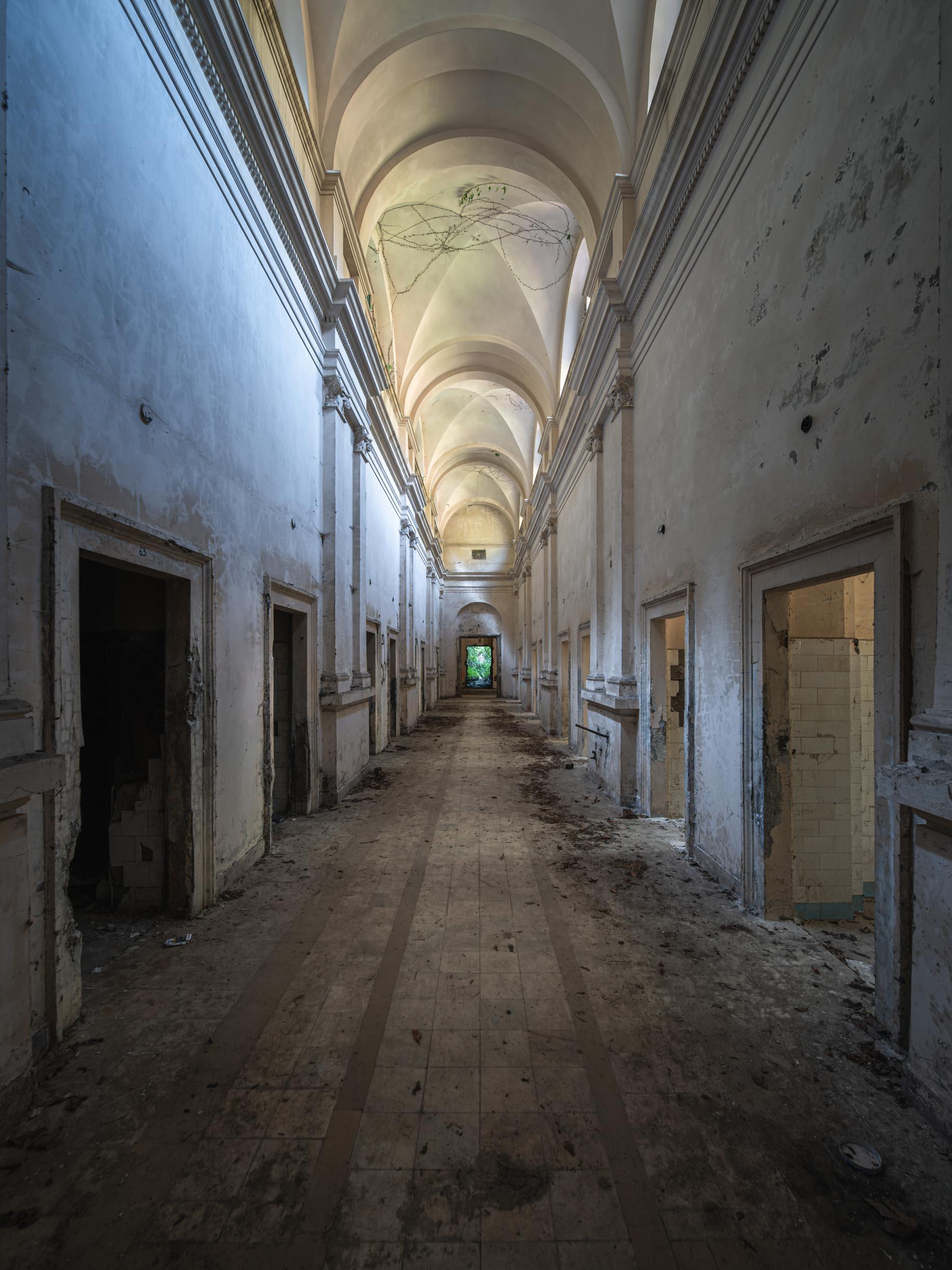 The white corridor.