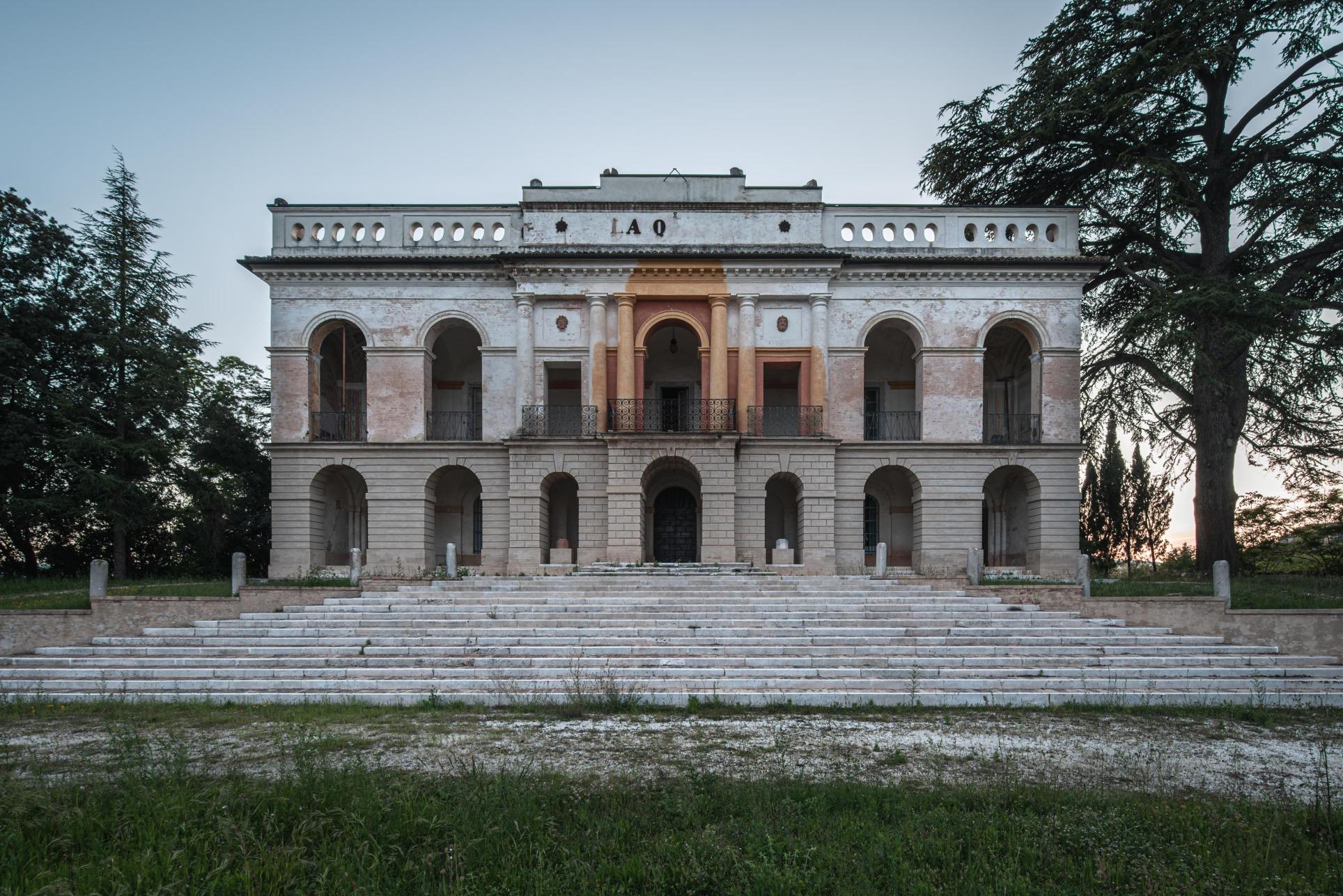 Villa la Q