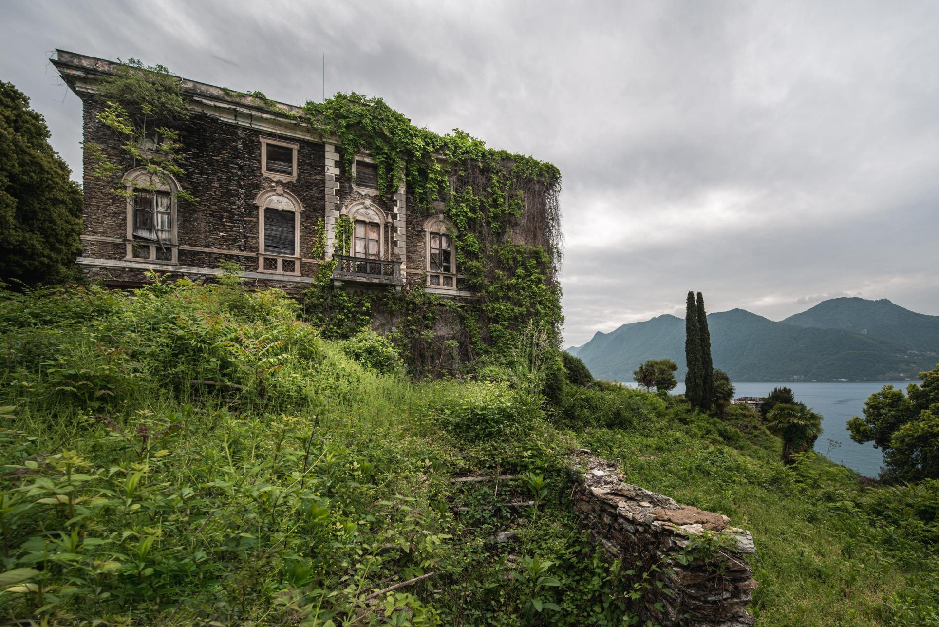 Villa Decadimento