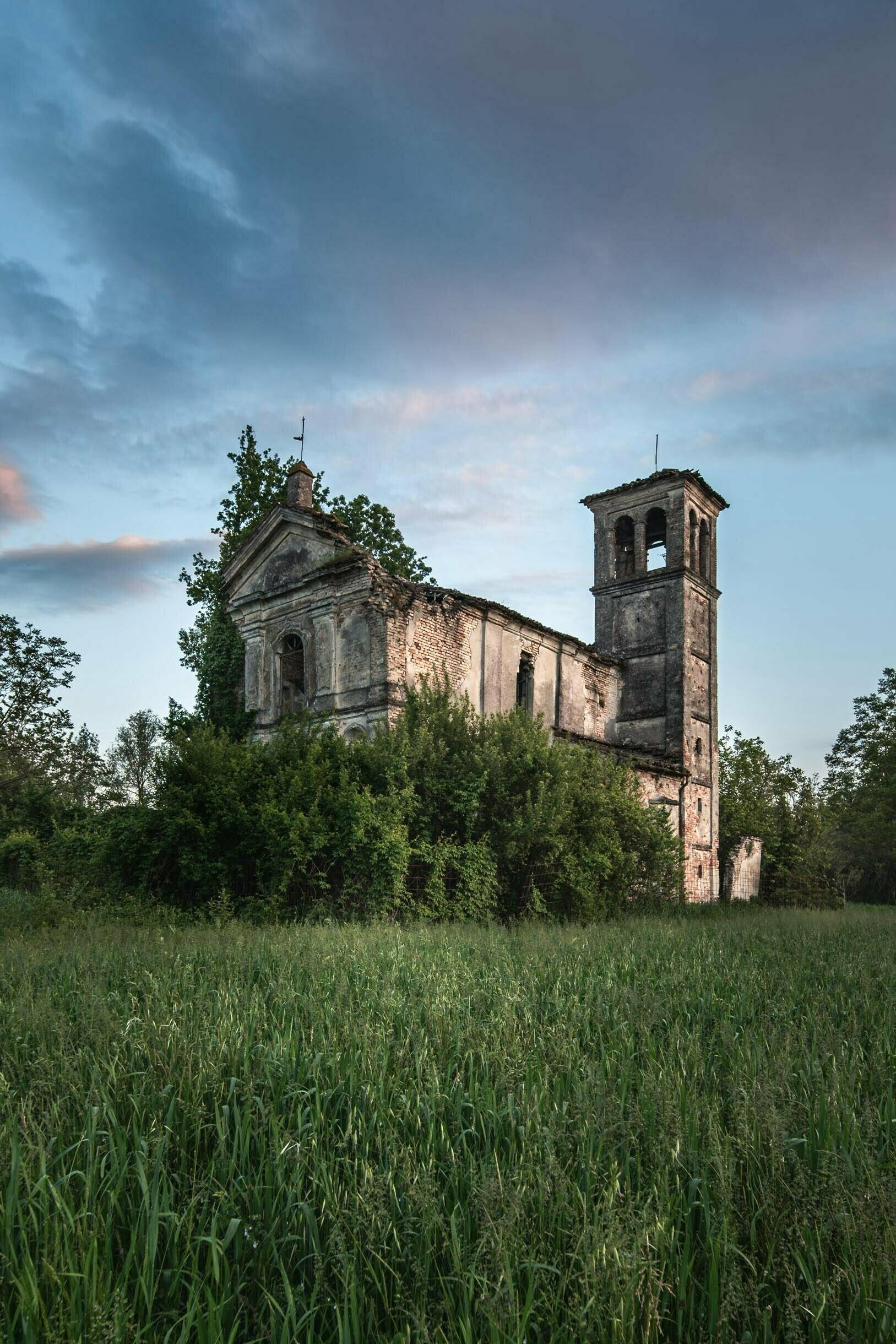 Chiesa Invasa